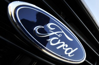 Ford recalls trucks over airbags, tells owners to 'stop driving'
