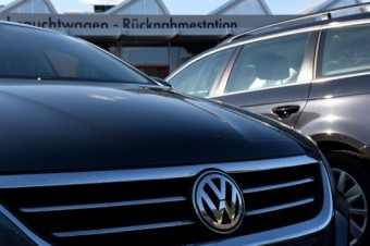 New VW chief Diess aims to steer giant out of diesel cloud