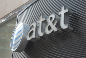 Judge clears AT&T-Time Warner deal, rebuking Trump administration
